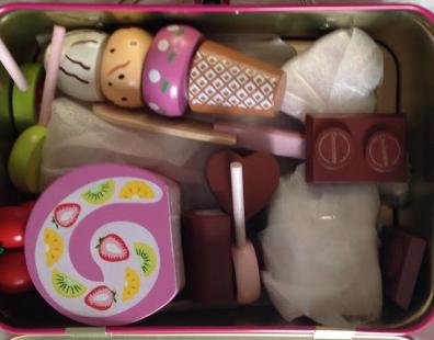 Madkasse med legetøj